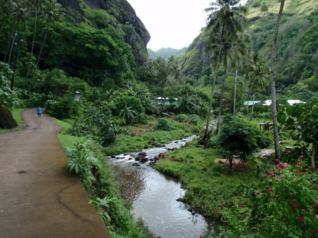 Valley hike in Fatu Hiva